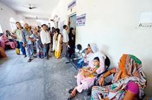 Patients at Bareilly district hospital. In 2014, India reported 54,870 cases of NPAFP, which is a steep rise from 2000, when there were 8,103. Photo: Ramesh Pathania/Mint